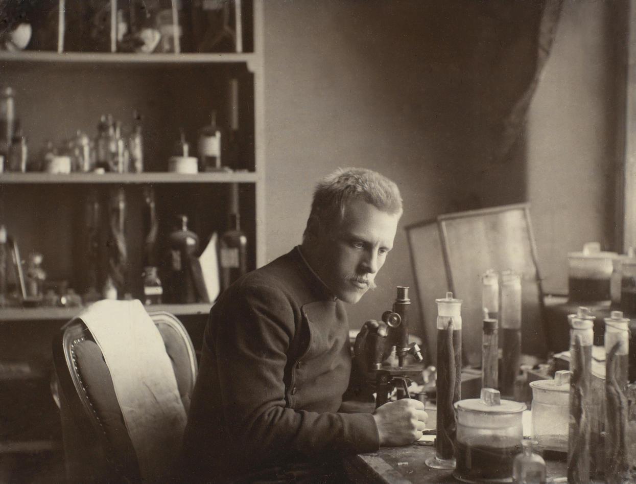 Fritjof Nansen på sitt labotorium på Bergen Museum