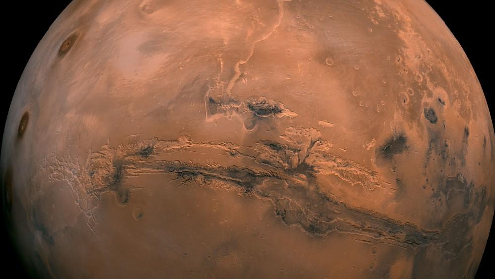 Gamle bergarter på Mars kan være nøkkelen til et av de største spørsmålene i historien: finnes det liv på andre planeter?