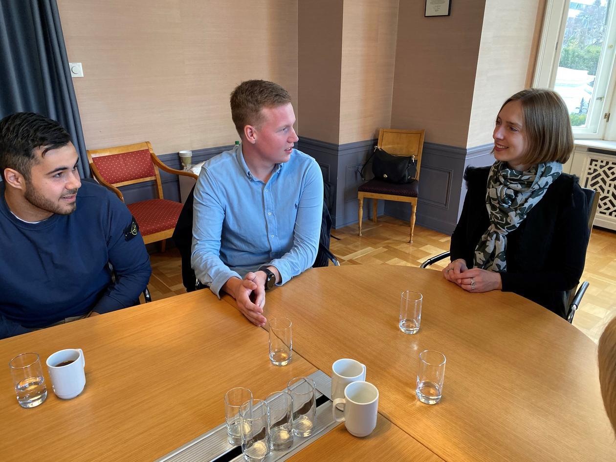 Iselin Nybø møtte UiB-studenter