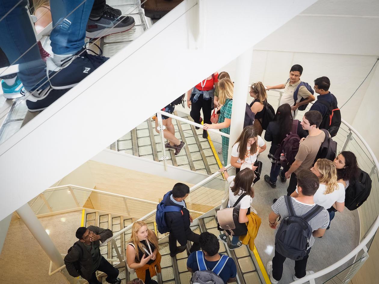 studentar i trappa SV