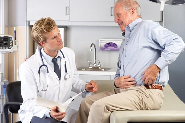 Illustration photo: Pasient med smerter i hoften