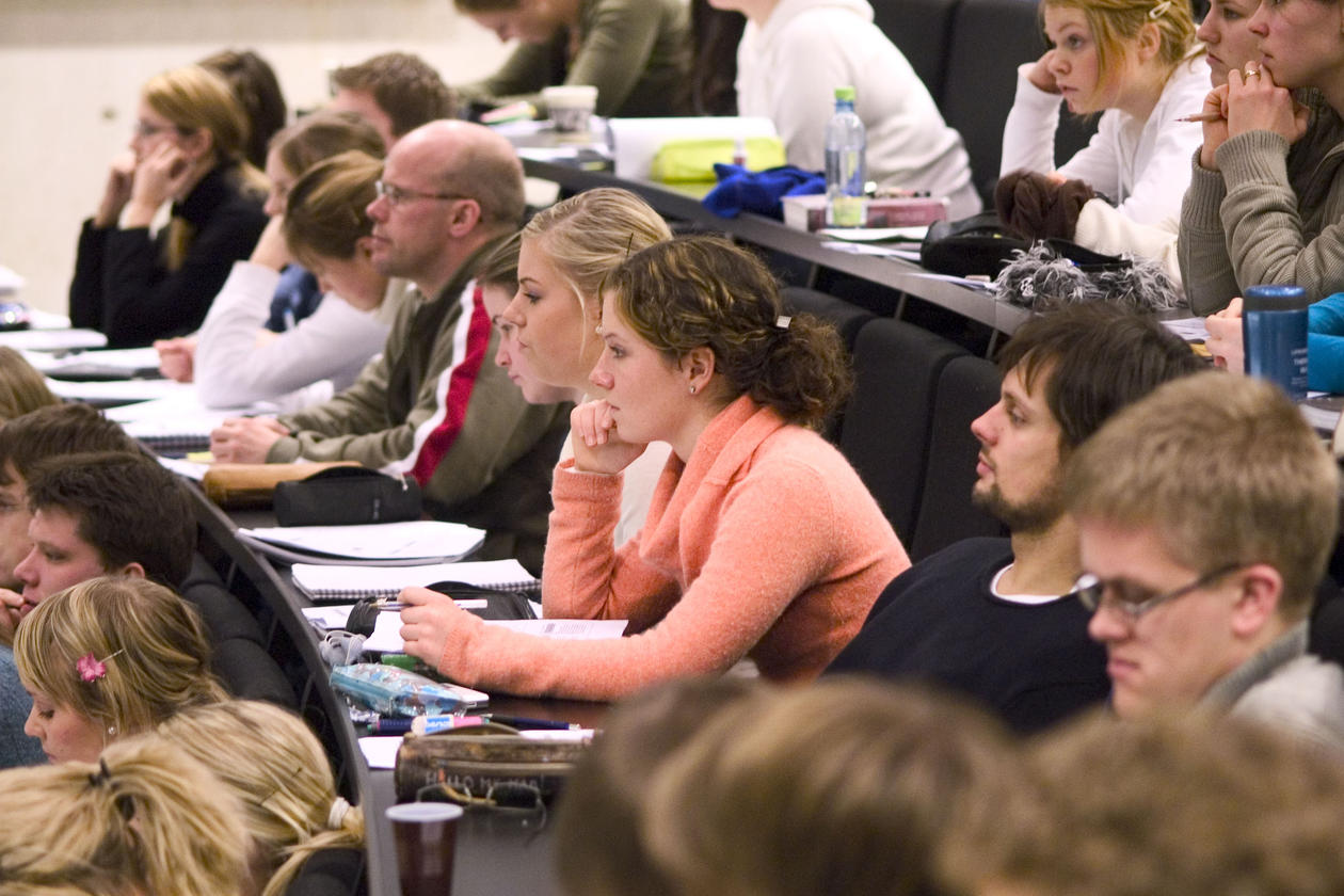 Studenter i forelesning