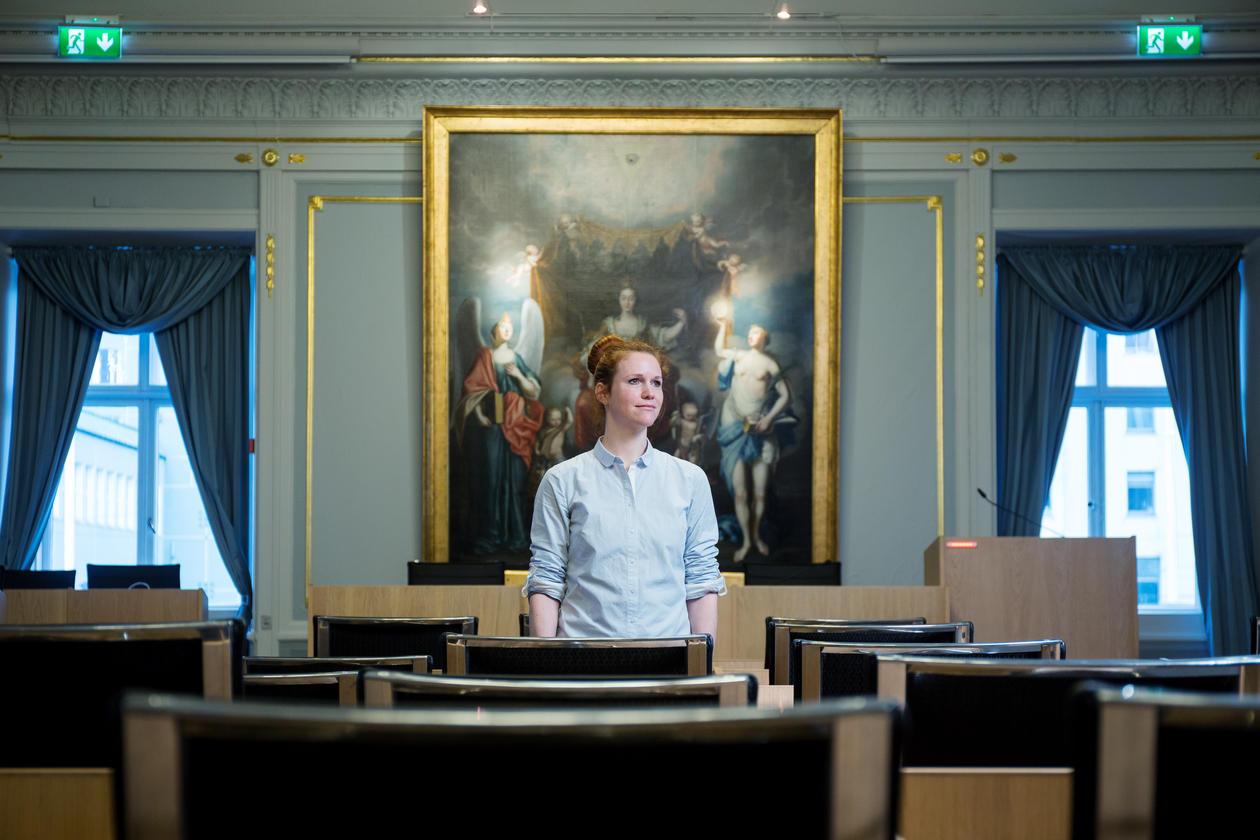 Forsker i sammenliknende politikk ved Universitetet i Bergen, Yvette Peters, avfotografert i bystyresalen i gamle Bergen rådhus i mars 2017.