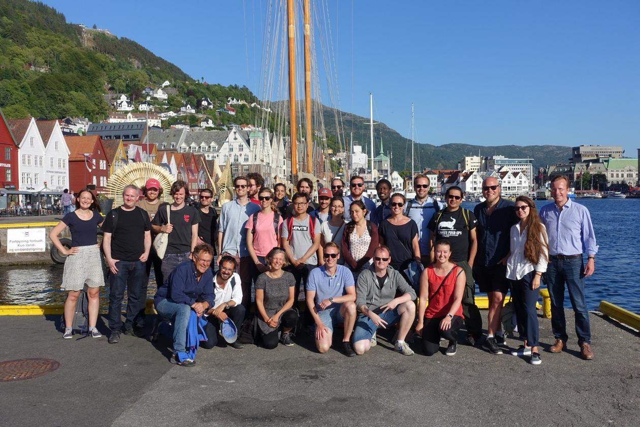 GEO PhD seminar 2018 - gruppebilde ved kaien i Bergen