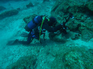 Photographing amphora during NIA's Naxos underwater project