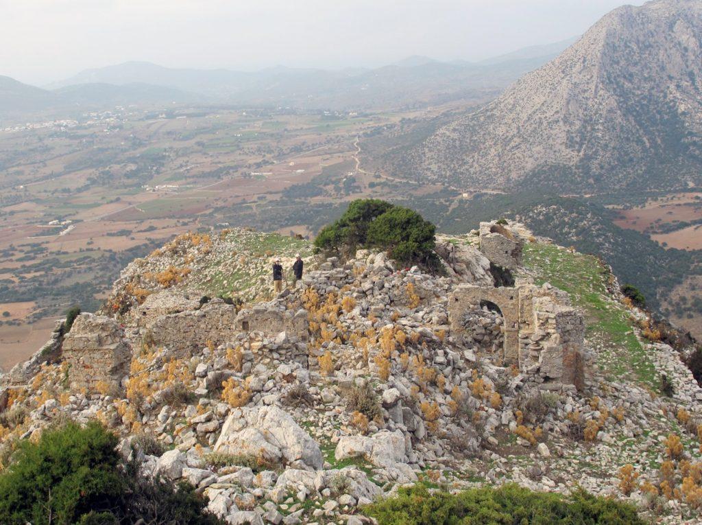 NIA's research at the Byzantine Kastro Apalirou on Naxos, Greece