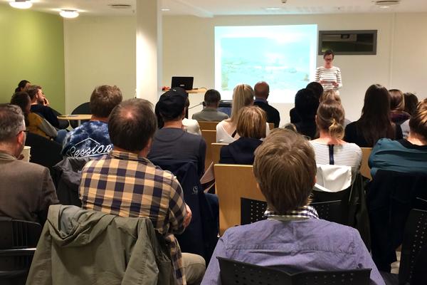 Mange publikumnere var tilstede under lanseringen av språkbloggen på Bibliotek for humaniora