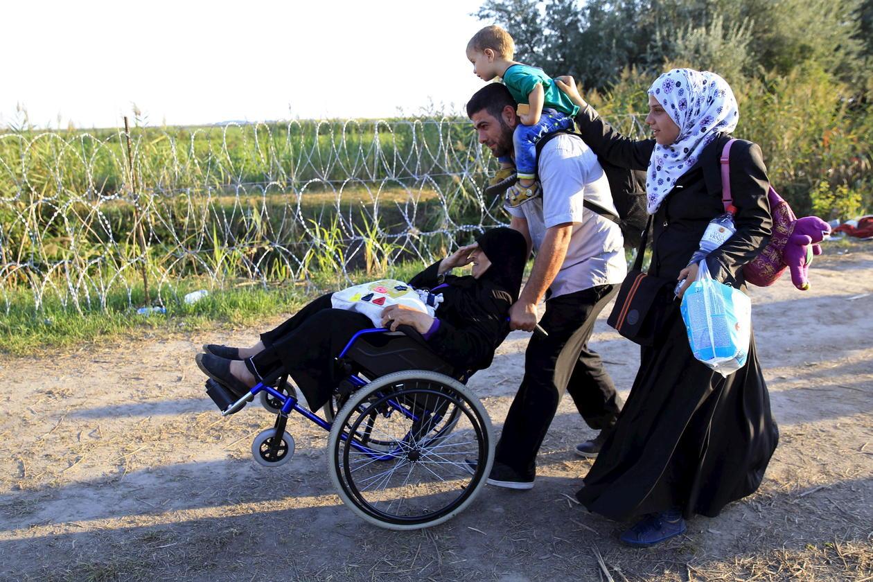 refugee_family_bernadett_szabo