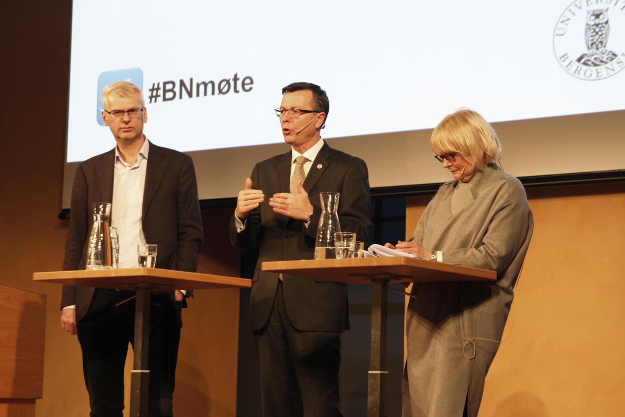 Dag Rune Olsen, rektor ved UiB, Berit Rokne, rektor ved HVL og Øystein Thøgersen, rektor ved NHH, representerte ledelsen for akademia
