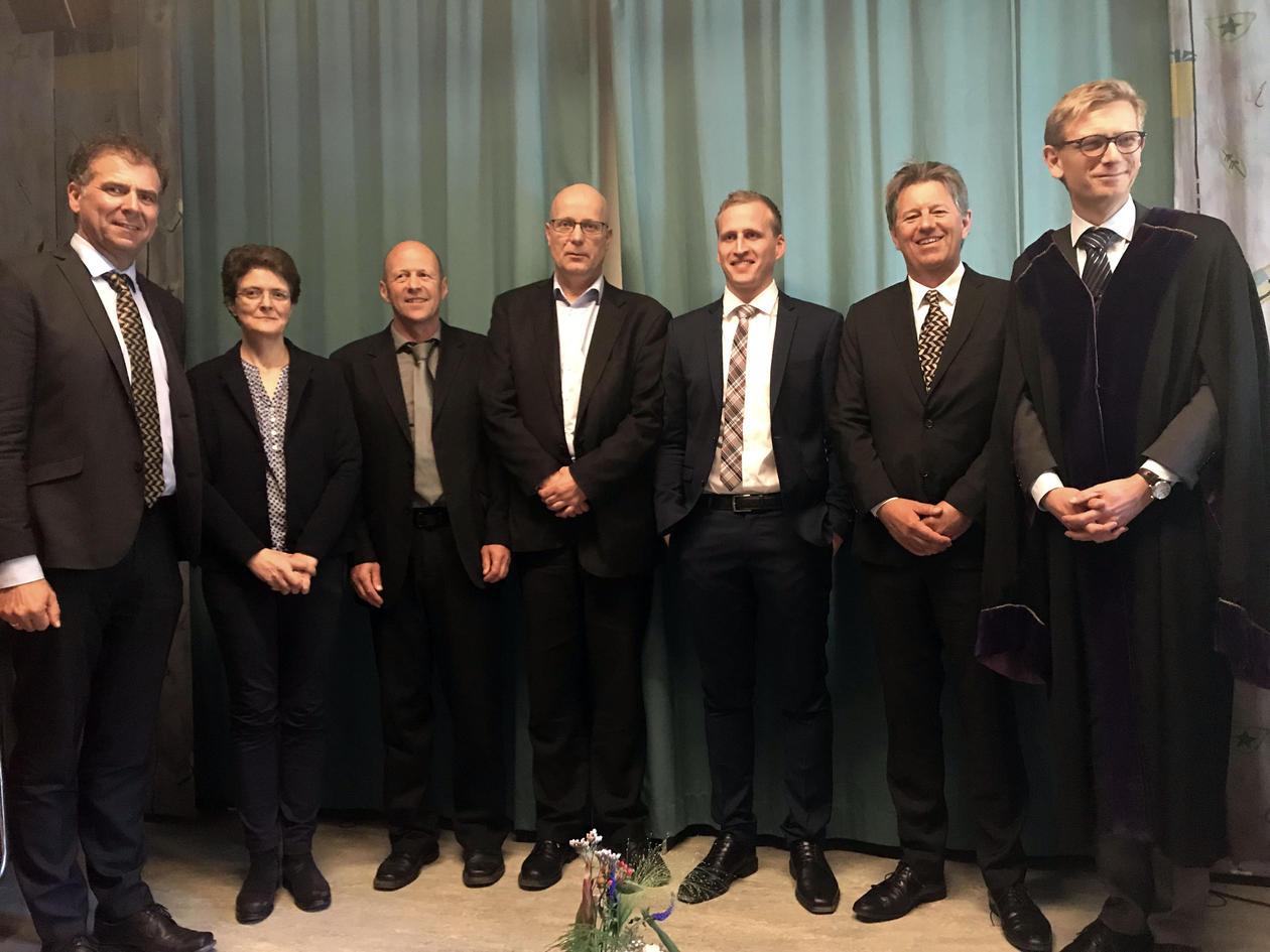 Rune Njøs med kommisjonen.