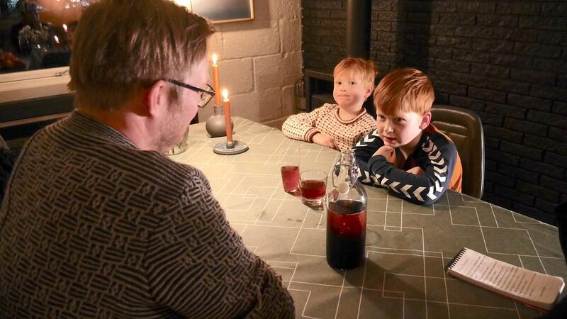 Rune Mentzoni og barna Aslak og Even.