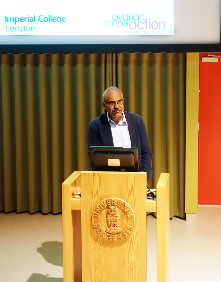 Professor Hani Gabra held innlegg på Salvesen Memorial Symposium.