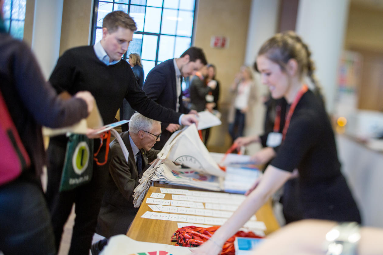 Delegates registering for the inaugural 2018 SDG Bergen Conference in the University Aula in Bergen on Thursday 8 February 2018.
