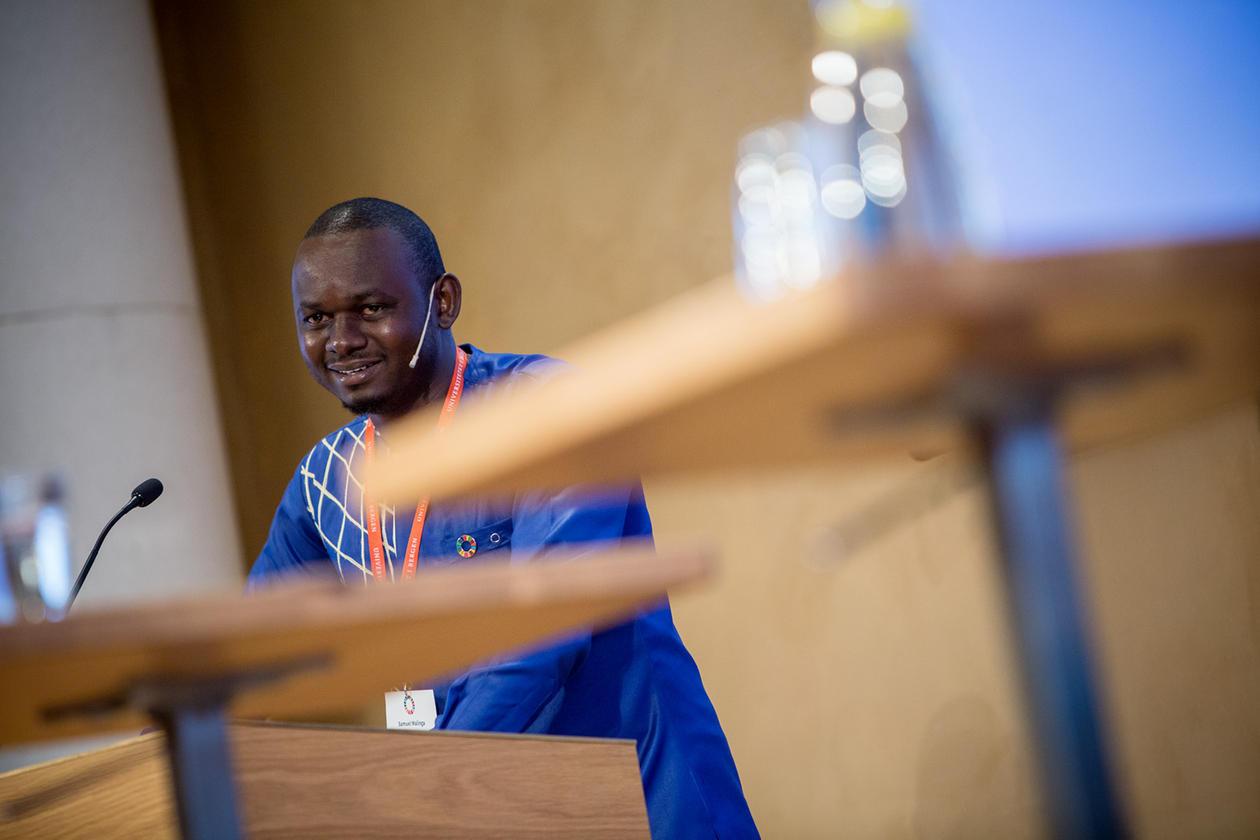 Samuel Malinga, kåra til ein av Forbes' 30 Most Promising Young Entrepreneurs in Africa for sitt sanitærarbeid med vatn i Uganda.