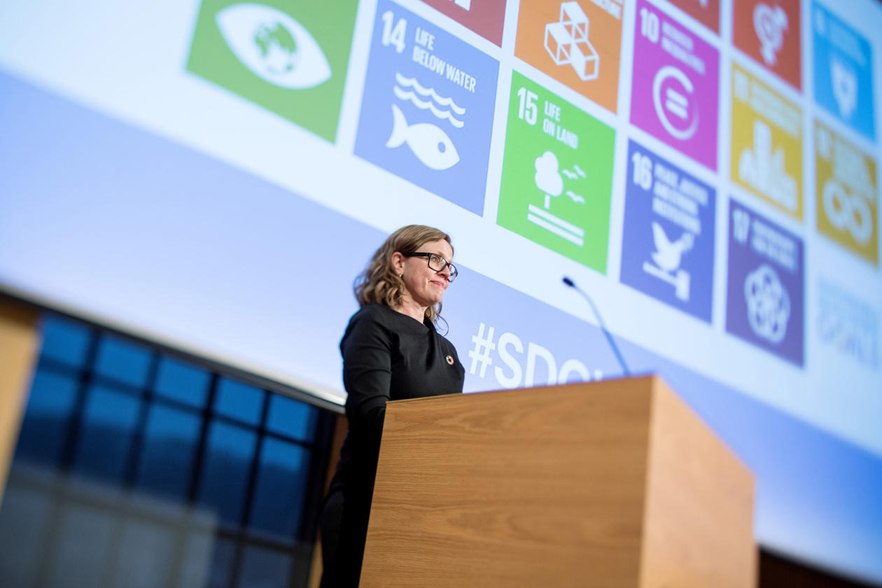 Viserektor for globale relasjonar, Annelin Eriksen, avslutta Bærekraftskonferansen i Bergen 2018.