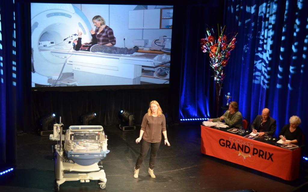 Silja Torvik Griffiths, last years winner, on stage