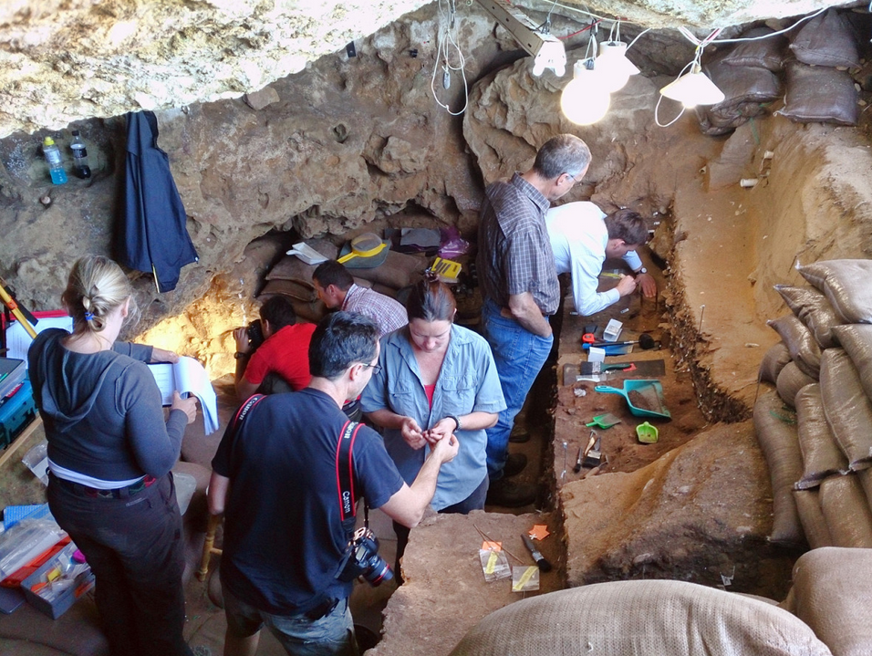 Utgravninger i Blombos Cave, Sør-Afrika