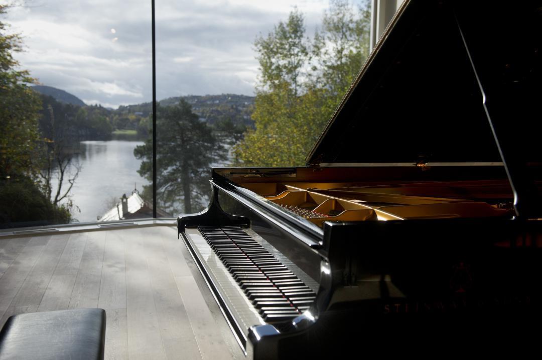 Troldsalen, photo by Helge Skodvin.