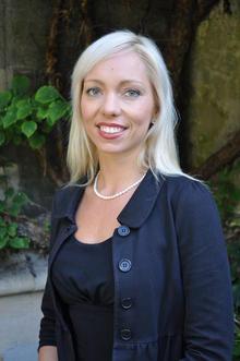 Sarah Hobolt receives the Nils Klim Prize for 2012.