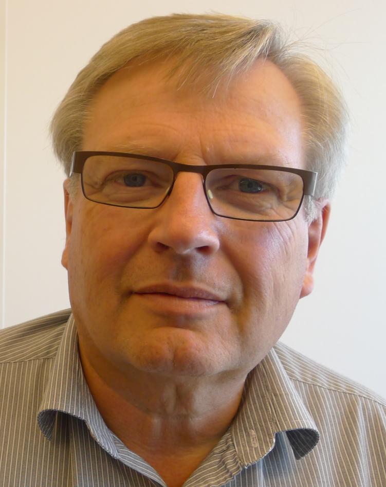 Arkeolog Tore Sætersdal koordinerer arbeidet med å styrke vannforskningen ved UiB.  Han er underdirektør ved UiB Global.