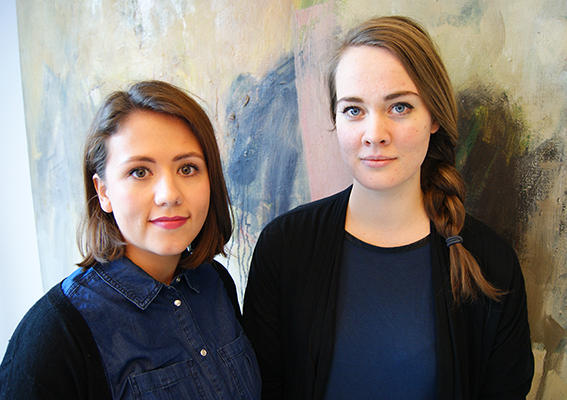 Psykologistudentane Silje Segadal Fluge (tv.) og Trine Skeistrand Kjoberg har produsert animasjonsfilm om overgrep, for born.