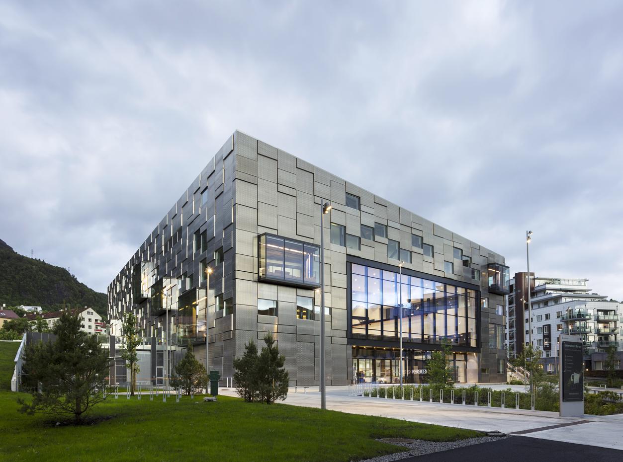 Nytt bilde av KMDs nybygg i Møllenda