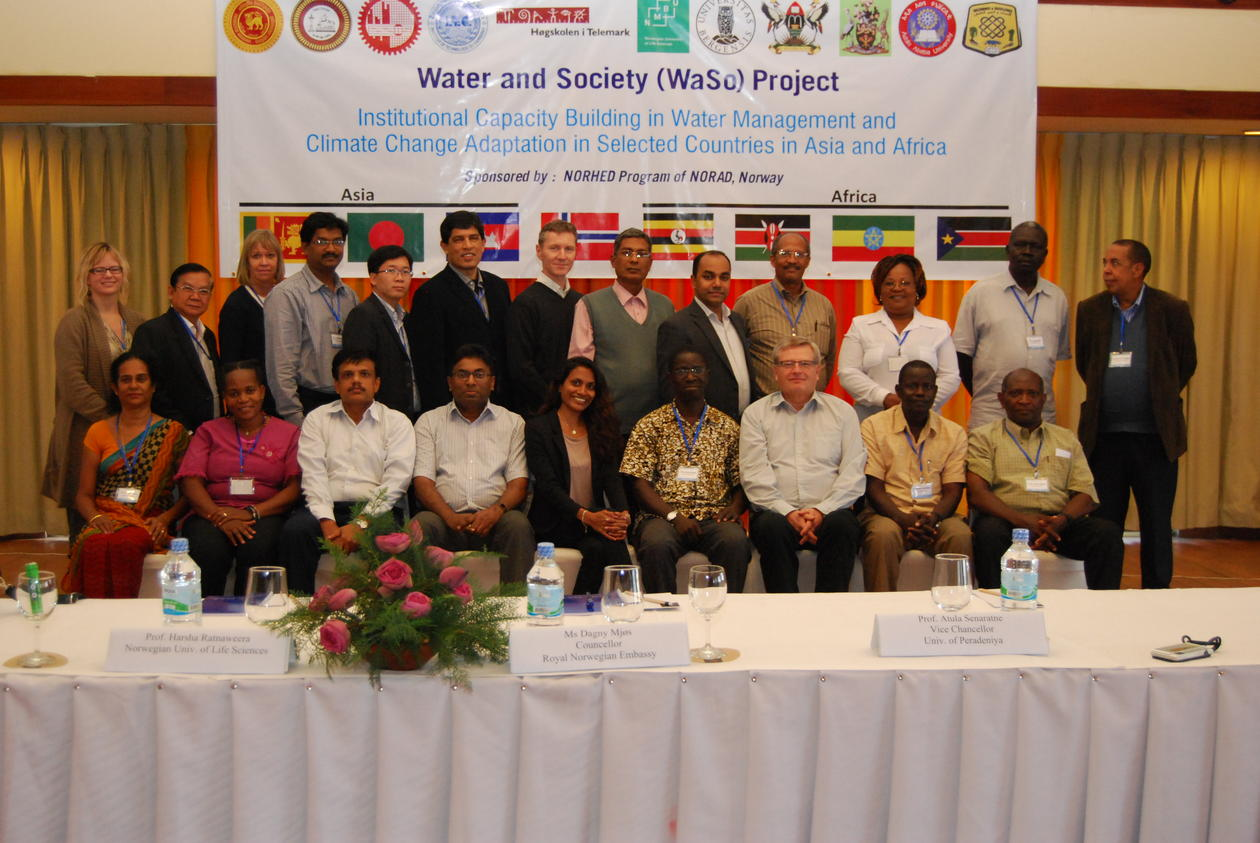 Kick-off of two capacity building projects in Asia and Africa at the University of Peredeniya in Sri Lanka in January 2014, the picture shows representatives from the eleven partner institutions.