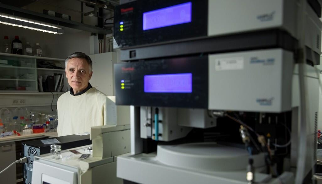 Professor i et forskningslaboratorium
