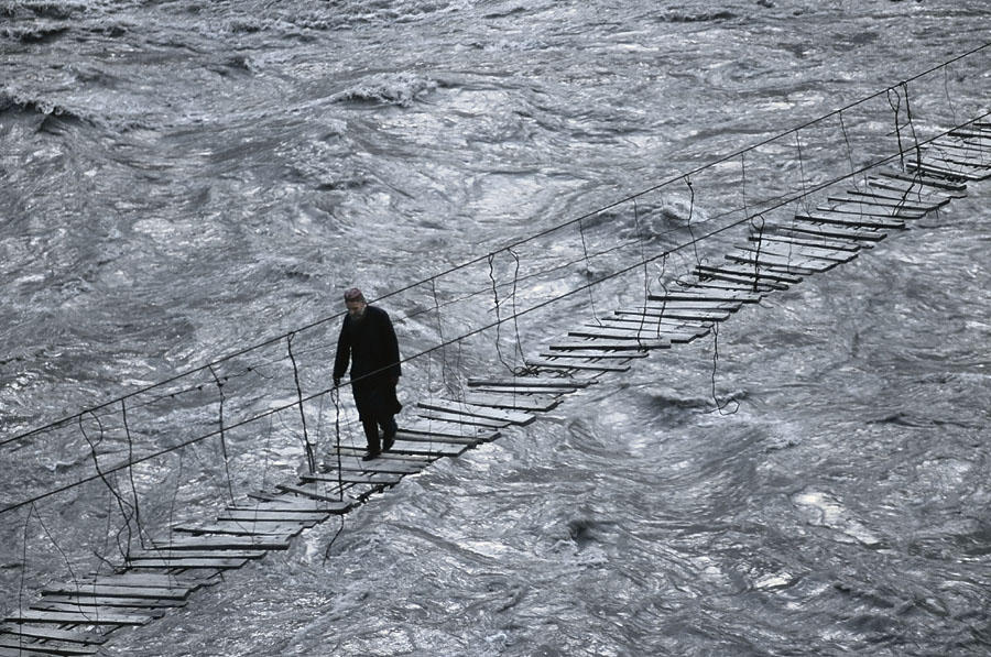 Crossing Hunza River