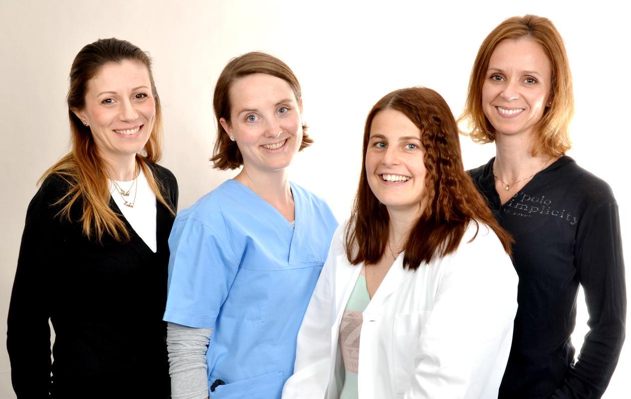 Bildet viser 4 Dobbeltkompetanse kandidater i odontologi i Bergen