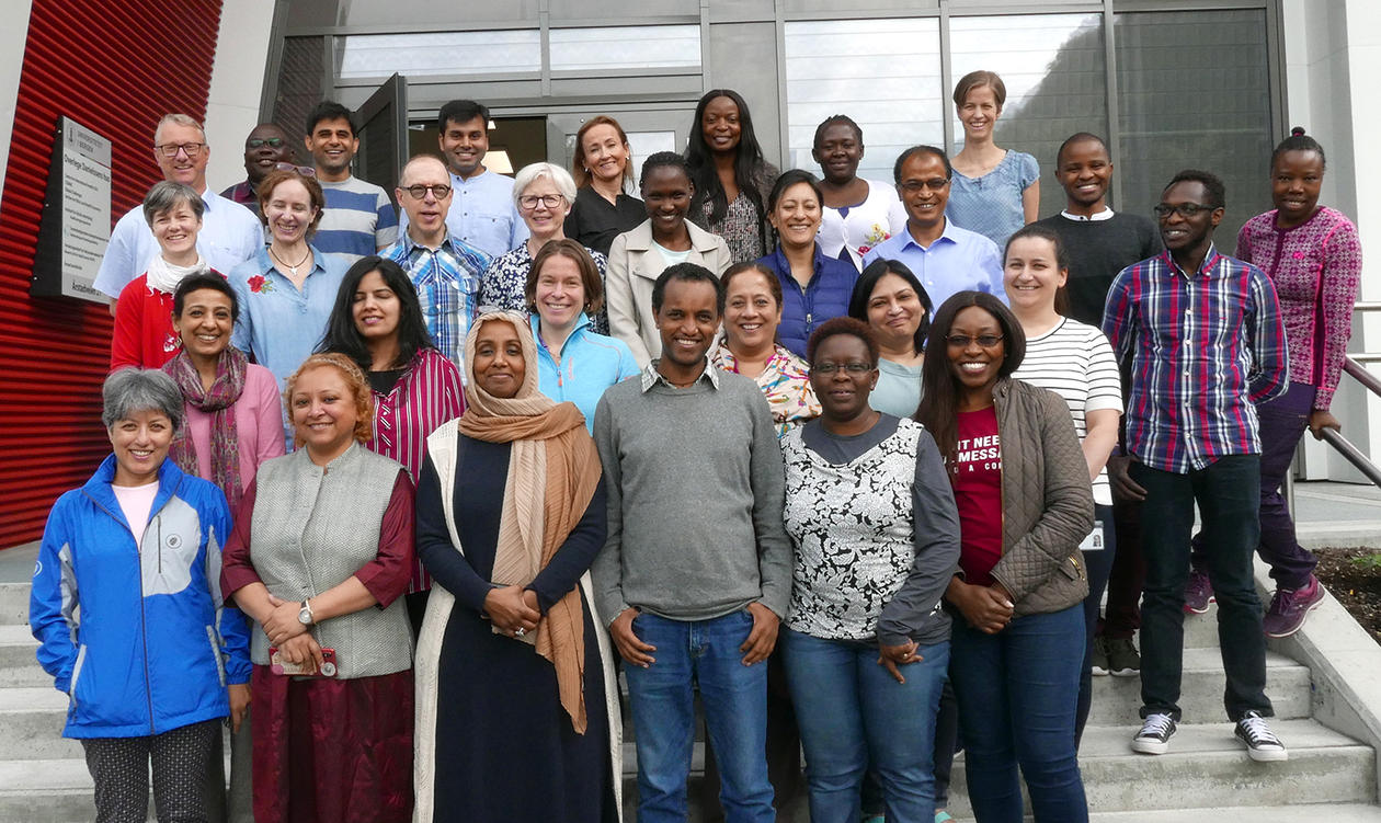 group photo CISMAC Systematic reviews and meta-analyses course