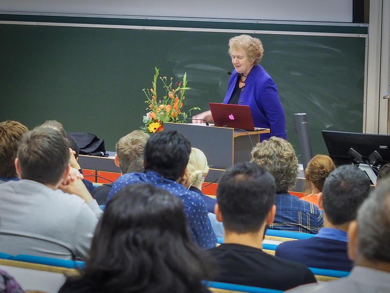 Pippa Norris held forelesning på UiB