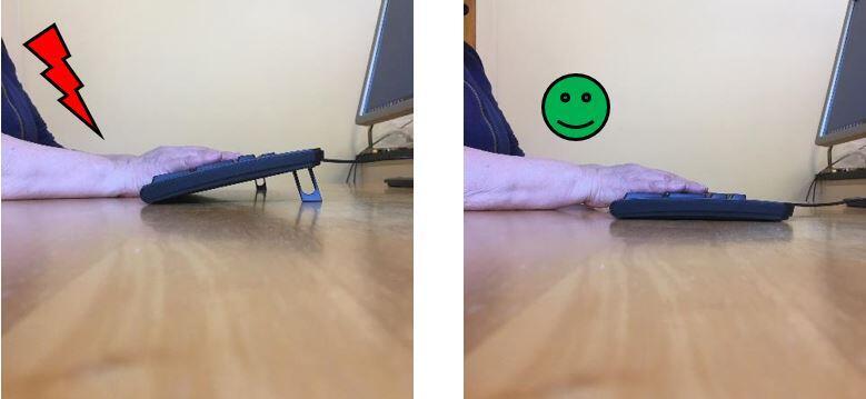 Demonstrasjon av korrekt vinkel på håndleddet på tastaturet.