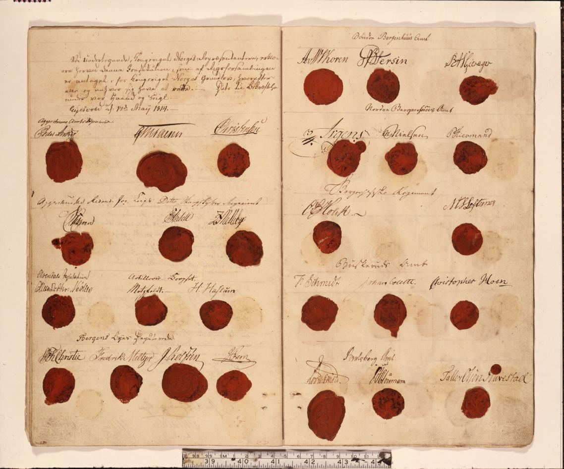 Første side av den norske Grunnlova av 1814, utforma av Riksforsamlingen på...