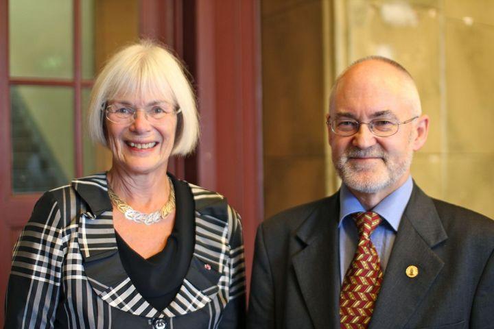 Sigmund Grønmo takker Aasland for en stor entusiasme og handlekraft for...