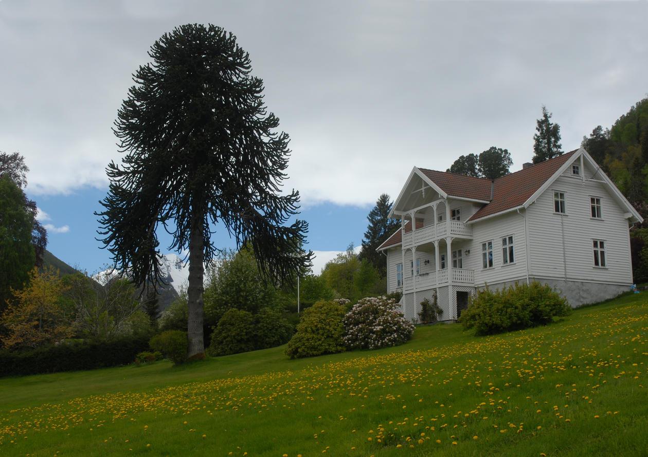 Lunde prestegård i Balestrand