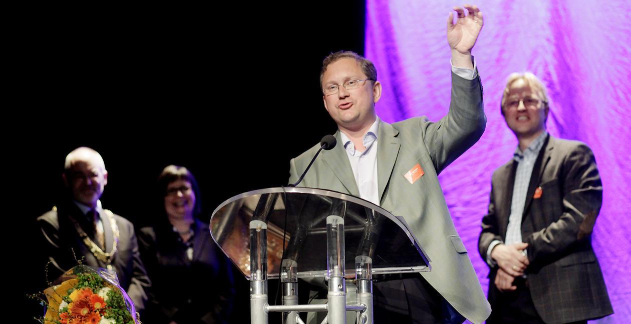 Arno Vigmostad takker for Christieprisen for 2011 under Christiekonferansen i...