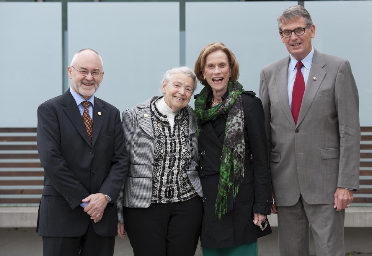 Rektor Sigmund Grønmo, prisvinner Mildred S. Dresselhaus, prisvinner Ann M....
