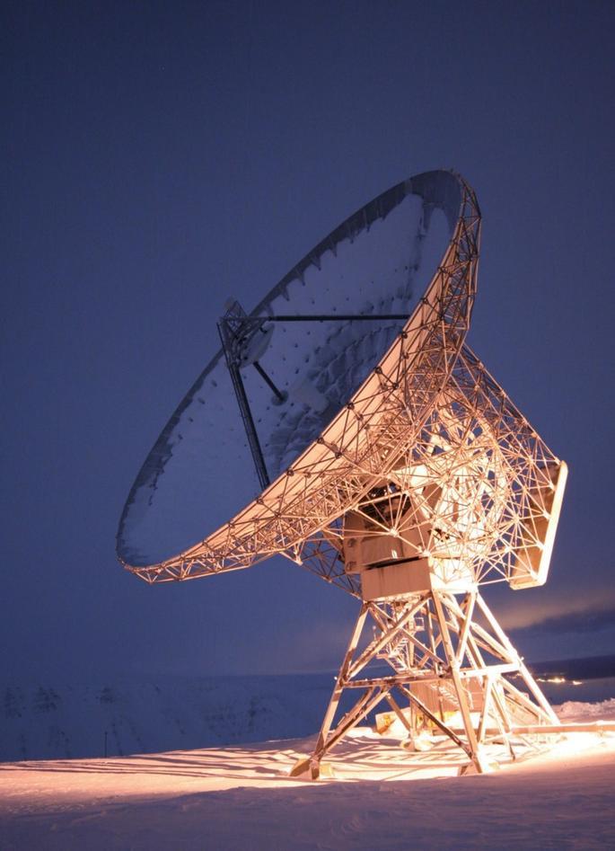 32 m antennen til EISCAT radaren på Svalbard