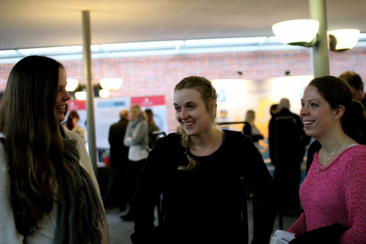 Annelin Vaage fra Ortun skole og Karen Johanne Sætrevik og Ingvild Tverrdal...