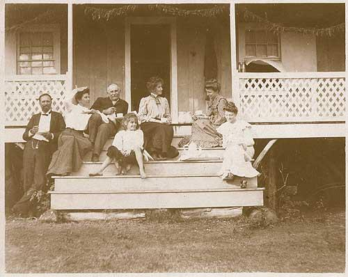 The Faye family in front of their house on Kauaii.