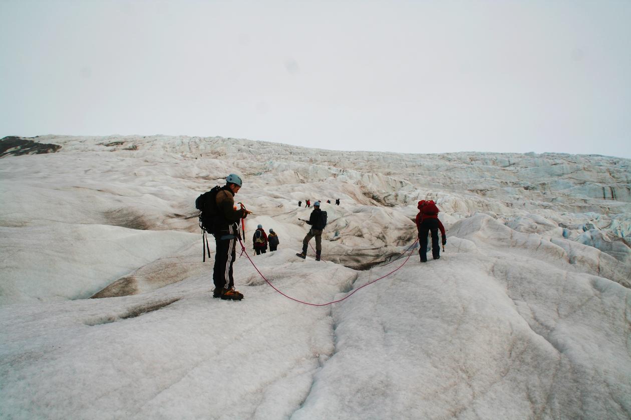 Tur på Nordenskiöldbreen for å se på supraglasiale prosesser.
