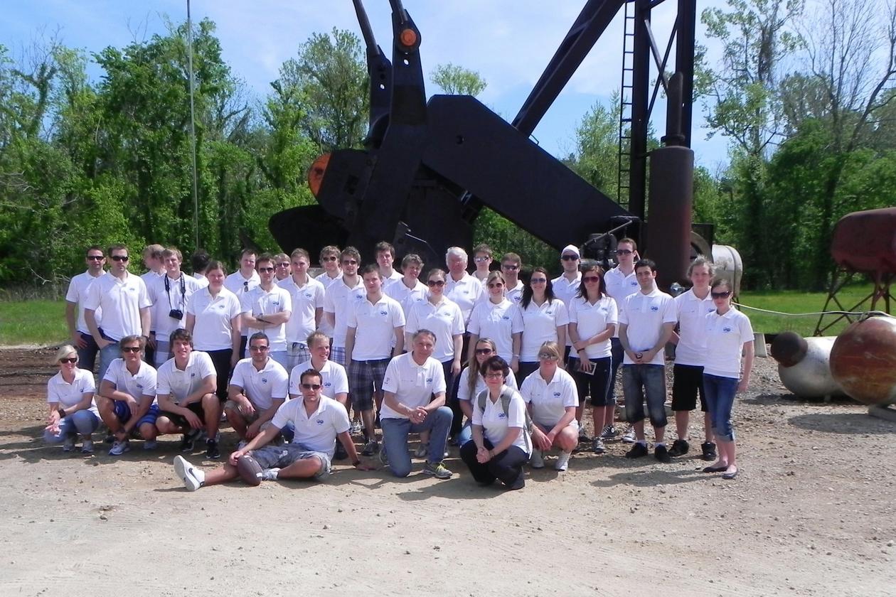 Bachelorstudentane på petroleum- og prosessteknologi som deltok på...