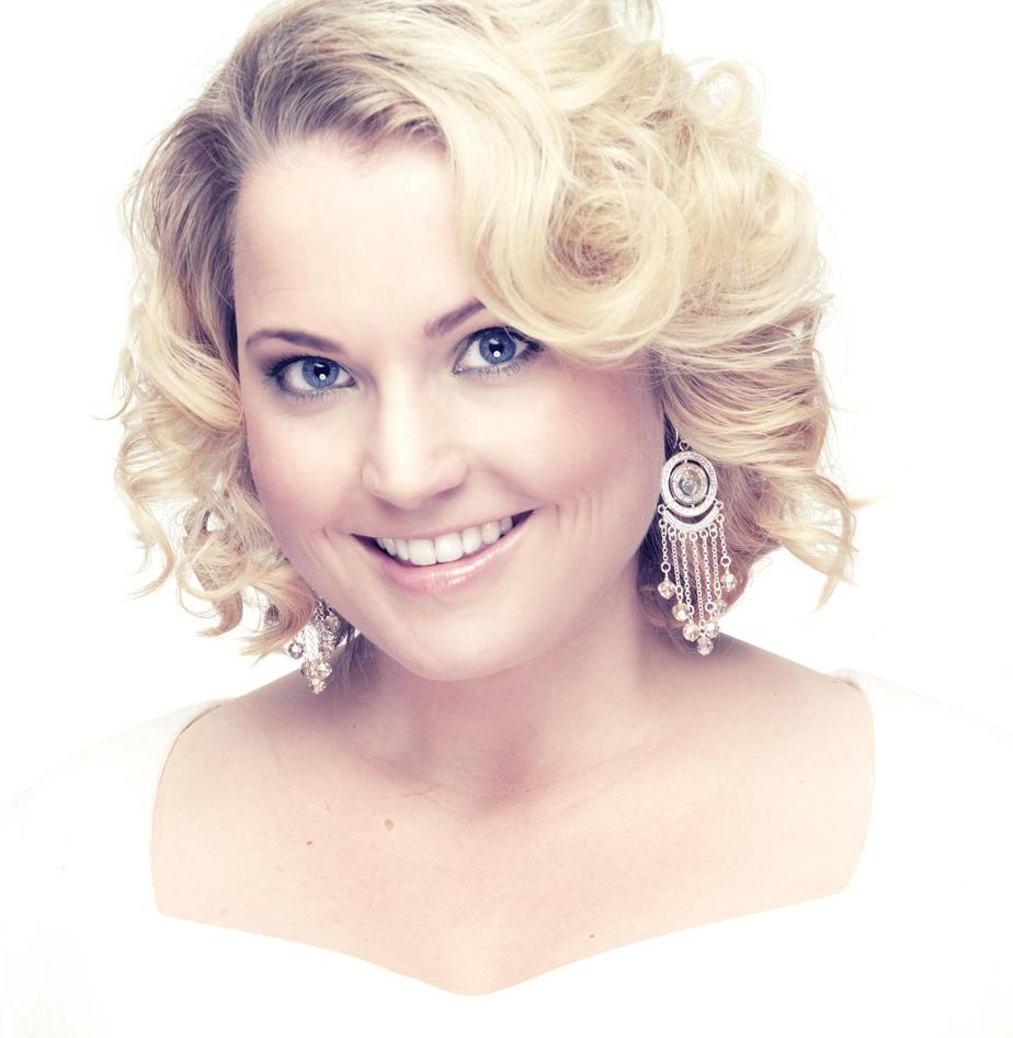 RITUELL SONG: Vardlokken Helene Bøksle syng om i laurdagens Melodi Grand Prix...