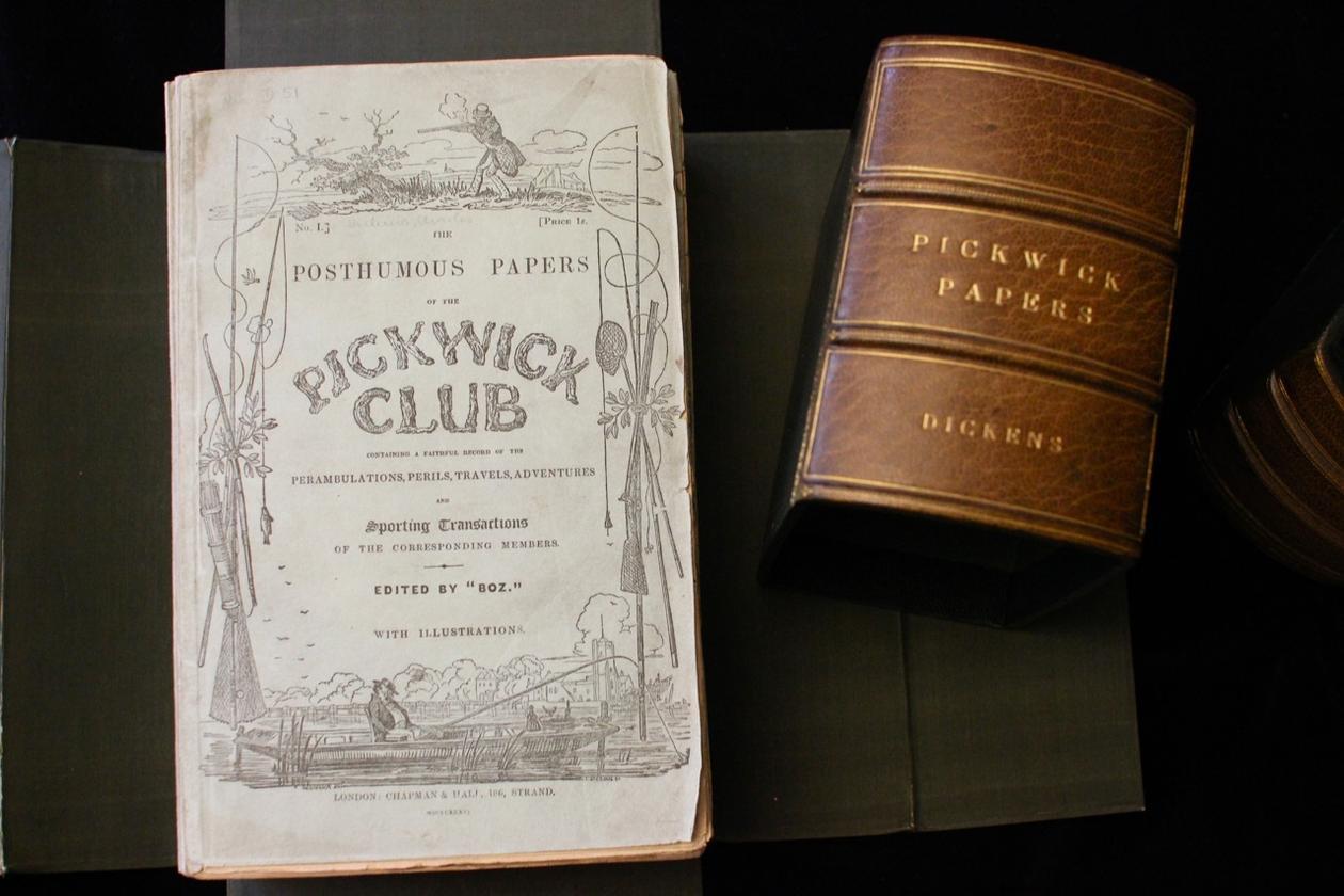 """Førsteutgaven av """"The Pickwick Club"""" teller 20 hefter, oppbevart i en..."""