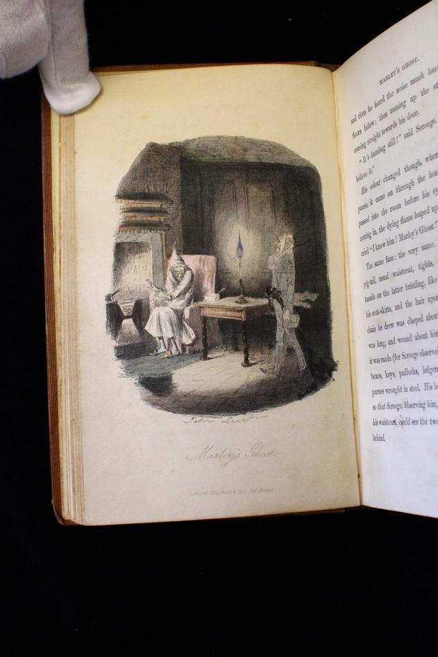 Samlingen inneholder også sjelde bøker med illustrasjoner, som denne utgaven...