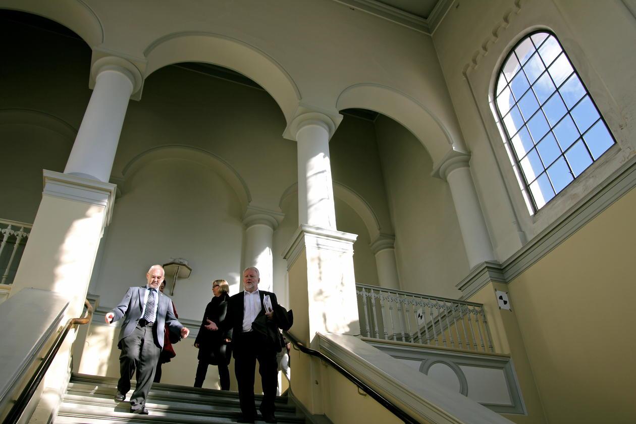 Riksantikvar Jørn Holme fikk omvisning på Universitetsmuseet av rektor...