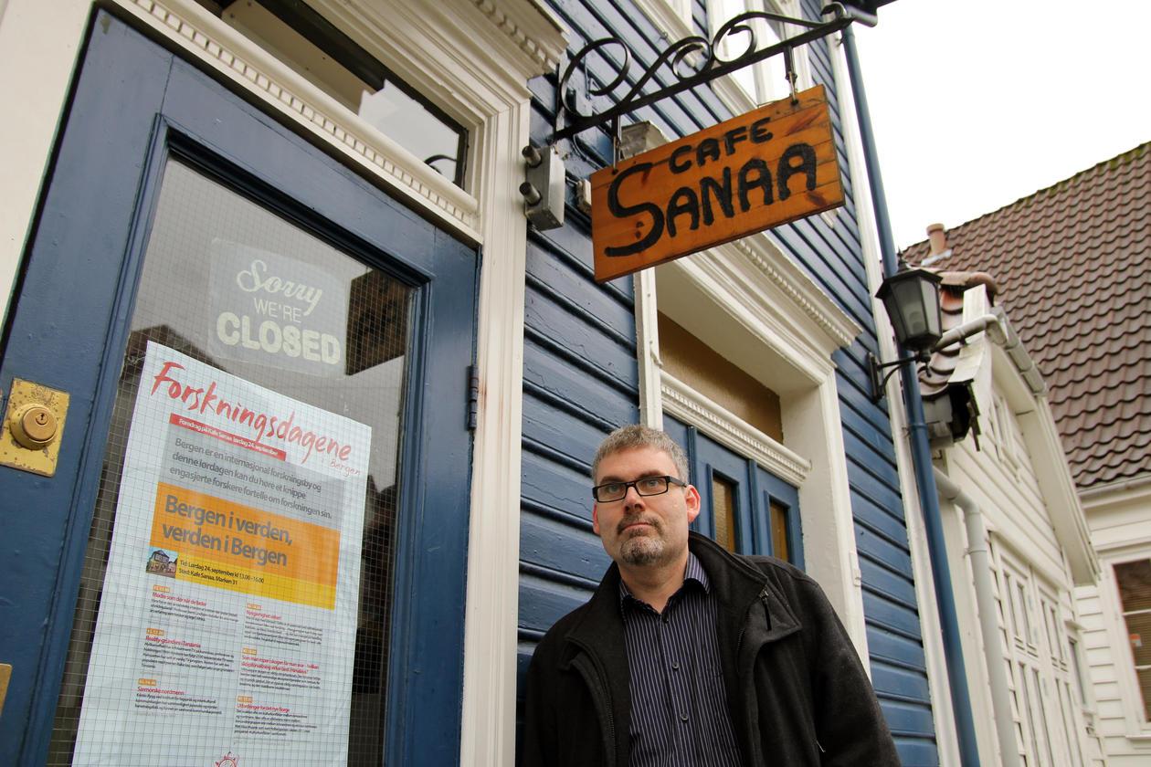 På Kafé Sana i Marken kan du møta forskarar og ta ein kaffikopp.