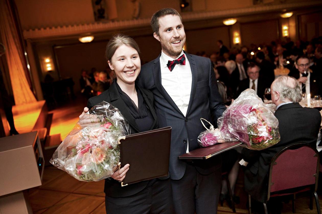 Kristiina Kompus og Thomas Gjesteland mottok Meltzerprisen for yngre forskere.