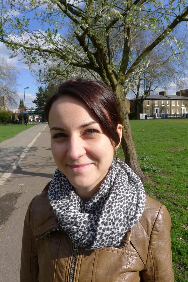 Sarah Warren er sosialarbeider med spesialisering på vanskeligstilt ungdom...
